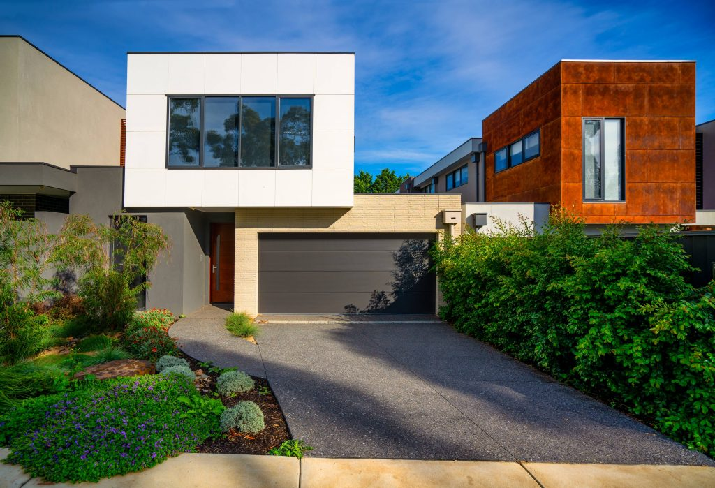Insulated Garage Door, Fineline, residential garage doors