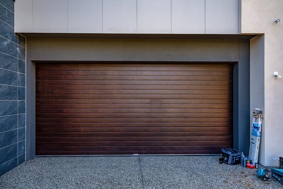 Panel lift-safe garage door, Slimline, Portabella finish (european oak)