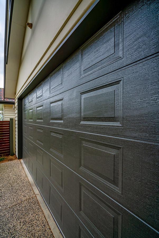 Classic Panel (woodgrain), Monument®